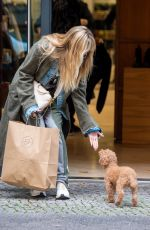 Heidi Klum Takes her four children and mother out shopping in Berlin