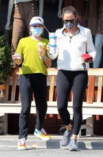 Jennifer Garner Takes Seraphina and Samuel to get a frozen treat in Brentwood