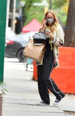 Jennifer Lawrence Steps out displaying her funky fashion style to meet friends for lunch in New York City