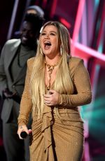 Kelly Clarkson At 2020 Billboard Music Awards, Los Angeles