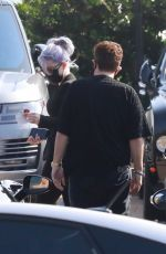 Kelly Osbourne Flaunts her astonishingly small frame while meeting with Jeff Beacher in Malibu