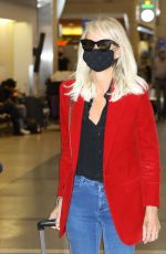 Laeticia Hallyday At the airport in Los Angeles