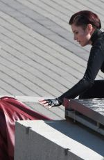 Melissa Benoist, Chyler Leigh film Supergirl action scenes in Vancouver