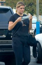 Mischa Barton Masks up as she goes grocery shopping at VONS near her home in Los Angeles