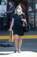 Mischa Barton Picks up a few items at VONS near her home in Los Feliz