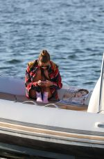 Nina Agdal Takes a nice autumn boat ride in New York