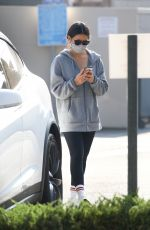 Olivia Munn Leaving a gym after her workout in Los Angeles