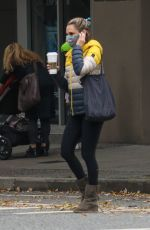 Rachael Leigh Cook Celebrates her 41st birthday with a Starbucks and a walk on a cool fall day in Vancouver