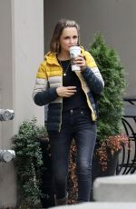 Rachael Leigh Cook Grabs coffee before heading to work in Vancouver
