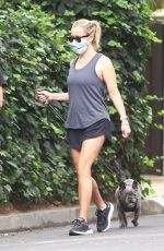 Reese Witherspoon Out for a walk in Brentwood