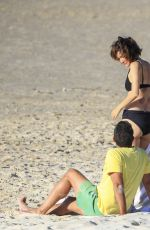 Rose Byrne & Bobby Cannavale Out for a romantic early evening swim at Wategos Beach in Byron Bay