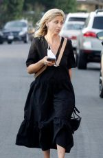 Sarah Michelle Gellar All smiles during a stroll in Los Angeles