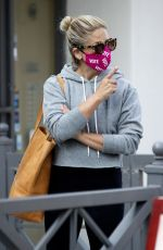 Sarah Michelle Gellar Steps out to get coffee wearing a mask that says Vote in Los Angeles