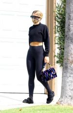 Sofia Richie All smiles as she makes a stop at Earth Bar in West Hollywood