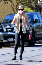 Sofia Richie Heads to a yoga class for a workout in West Hollywood