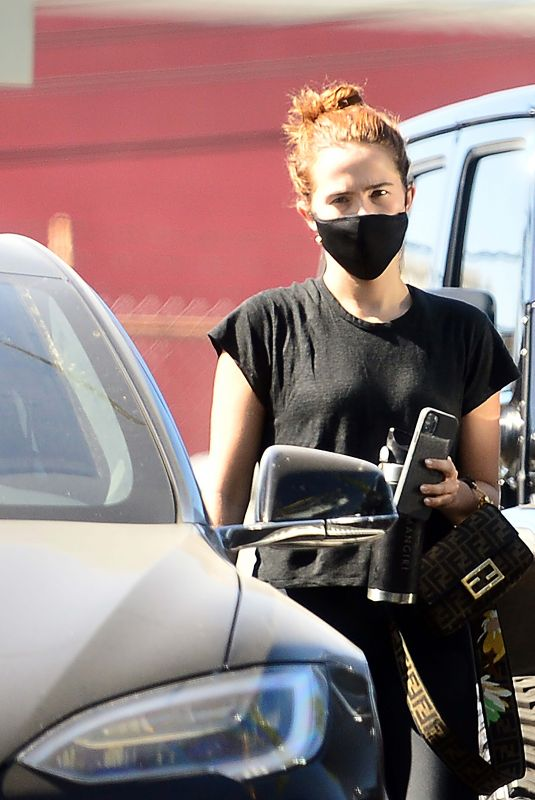Zoey Deutch Leaving a gym in Los Angeles