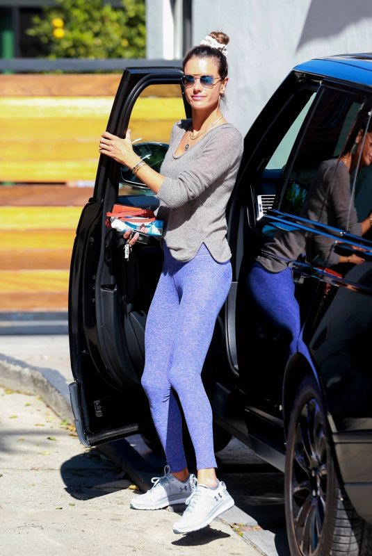Alessandra Ambrosio Arrives at a pilates studio in Los Angeles