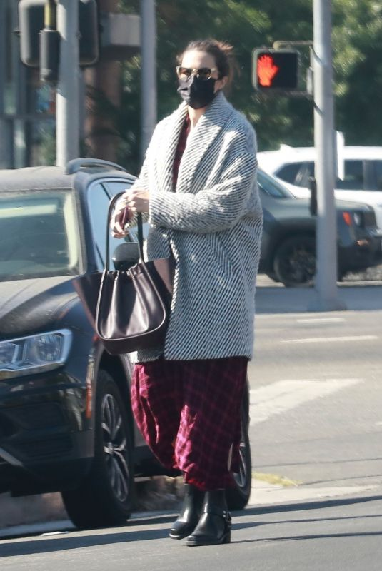 andy Moore Pictured exiting an acupuncture clinic in Los Angeles