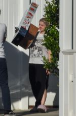 Ariel Winter Spotted out with her boyfriend in Los Angeles