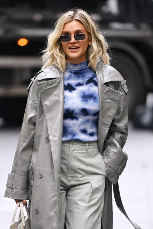 Ashley Roberts Leaves Global Radio in London
