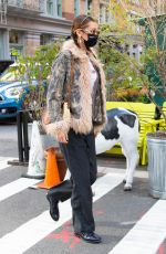 Bella Hadid Leaving lunch at Bubby