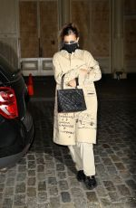 Bella Hadid Looks stylish returning home in NYC