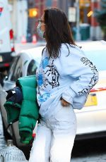Bella Hadid Returns to her apartment in New York