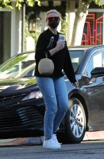 Cameron Diaz Makes a visit to the salon in Los Angeles