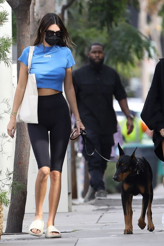 Hailey Bieber & Kendall Jenner Get together to grab lunch at Zinque Cafe in West Hollywood
