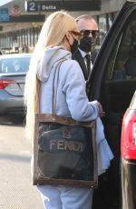 Iggy Azalea Catches a flight out of LAX in Los Angeles