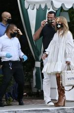 Jennifer Lopez and Alex Rodriguez finish a meal with friends at San Vicente Bungalows
