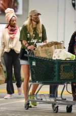 Jessica Hart Spotted grocery shopping with her mom in Los Angeles