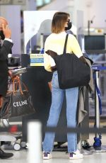 Kaia Gerber Takes a salad to go as she is seen flying out of Los Angeles
