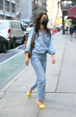 Katie Holmes Heads to an office building in Manhattan