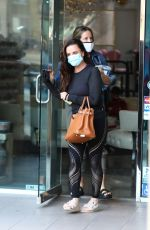 Kyle Richards Leaving a Nail Salon in Encino after getting her nails done ahead of the weekend