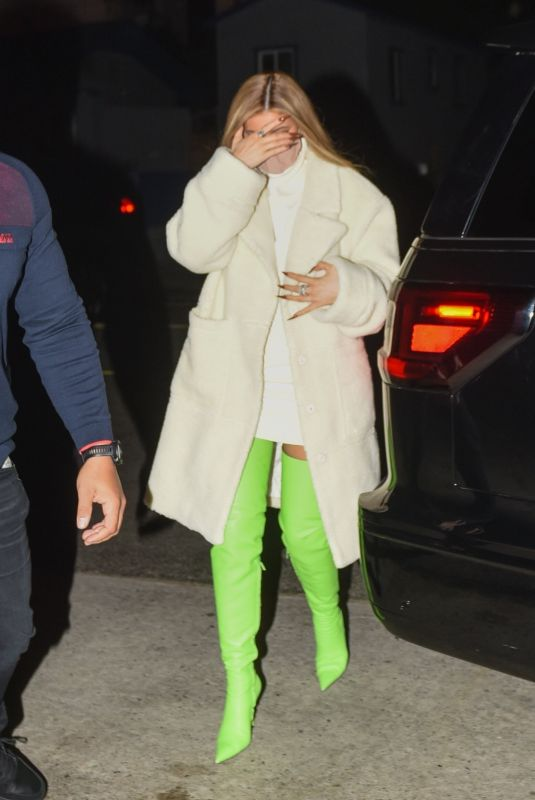 Kylie Jenner Arrives for dinner with friends in Santa Monica