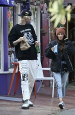 Megan Fox Picks up food and drinks to go in Studio City