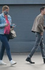 Mischa Barton And her boyfriend Gian Marco Flamini pick up their pizza order at Tomato Pie Pizza Joint in Los Angeles