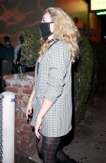 Peyton List Grabs a bite with friends at Delilah in West Hollywood
