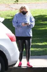Rebel Wilson Goes on a solo 2 hour hike in Los Angeles
