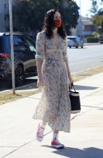 Rumer Willis Dons a cute dress while getting her nails done in Los Angeles