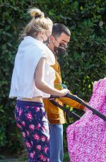 Sophie Turner Looking fabulous for a stroll with Joe Jonas and daughter Willa in Los Angeles
