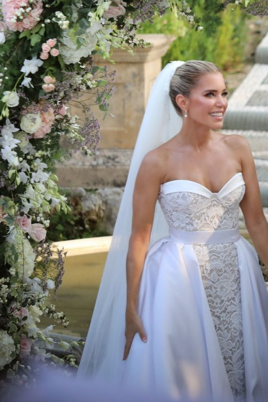 Sylvie Meis At the wedding ceremony in Florence