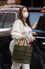 Ashley Graham Spotted arriving at her New York City hotel after doing some shopping in Soho