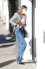 Hailey Baldwin/Bieber Arrives at a film set in West Hollywood