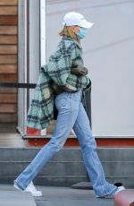 Hailey Baldwin/Bieber & Justin Bieber Seen Christmas shopping at Maxfield in West Hollywood