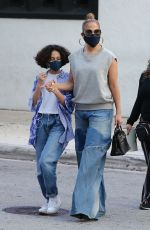 Jennifer Lopez Goes Christmas shopping with her daughter in Miami