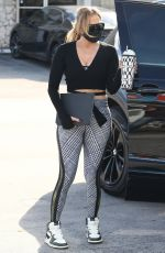 Jennifer Lopez Heading to the gym with a friend in Miami