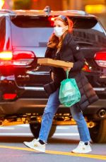Jessica Chastain Spotted carrying quite a large to-go food order in New York City