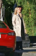 Kate Hudson Continues filming scenes for